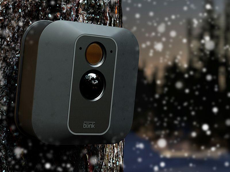 Blink XT2 | Telecamera di sicurezza per interni/esterni con