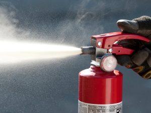 Estintore a schiuma: grande efficacia su incendi generati da