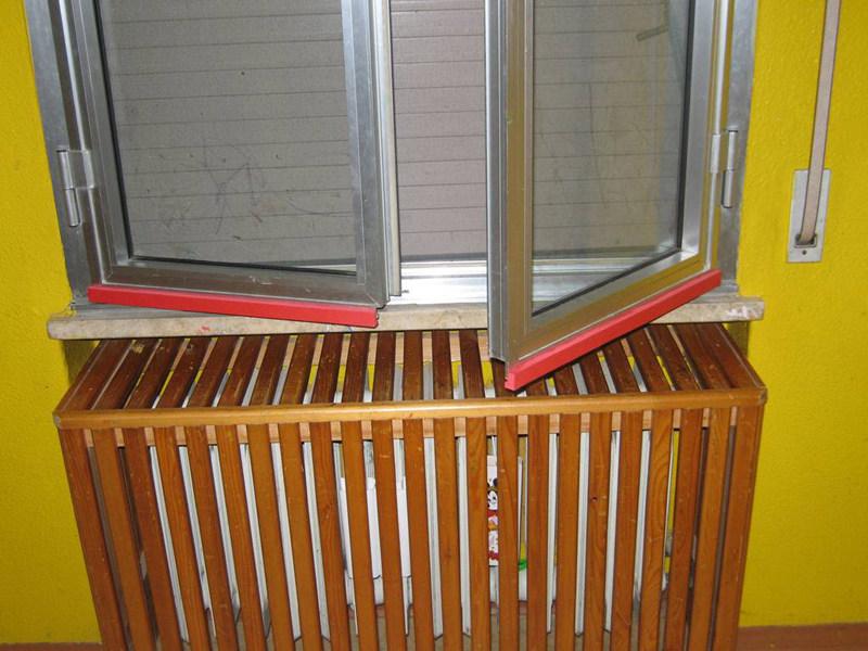 Paraspigoli per finestre Profilo angolare in EVA non ignifuga - Piesse